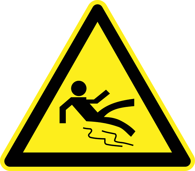 image of slippery floor sign